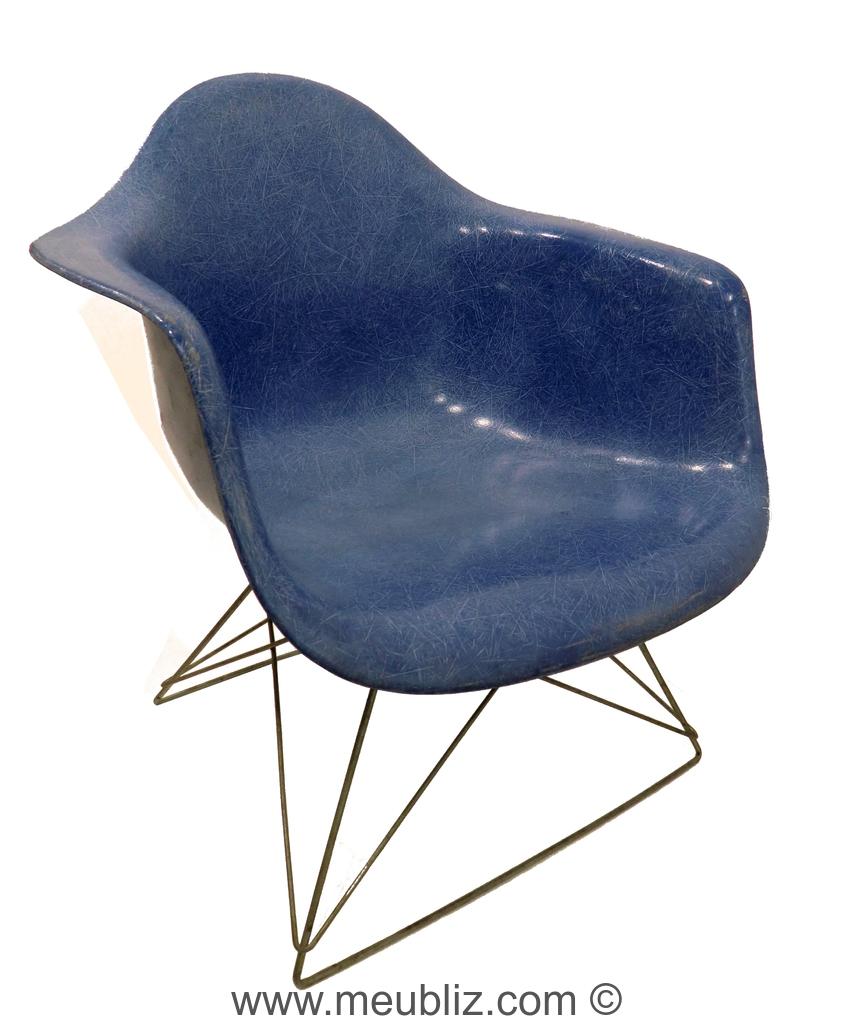 Fauteuil bas lar low armchair rod par charles eames for Meuble design charles eames