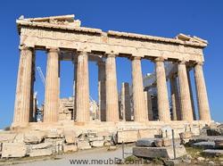 Le temple du Parthénon à Athènes en Grèce avec ses colonnes doriques - La référence du style classique antique