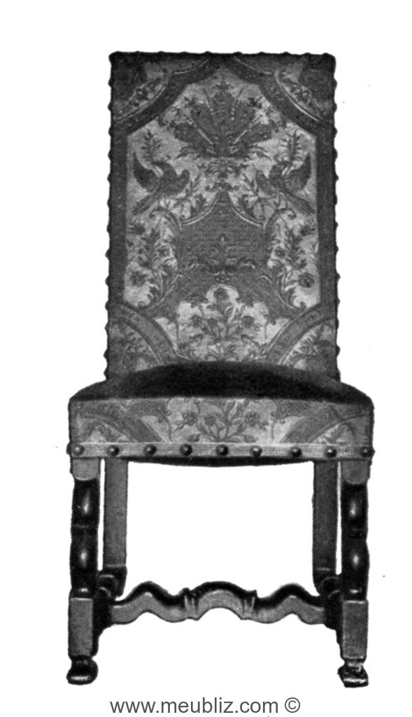 Chaise Louis XIV Pitement En Accolade Et Garniture De Cuir Cloute