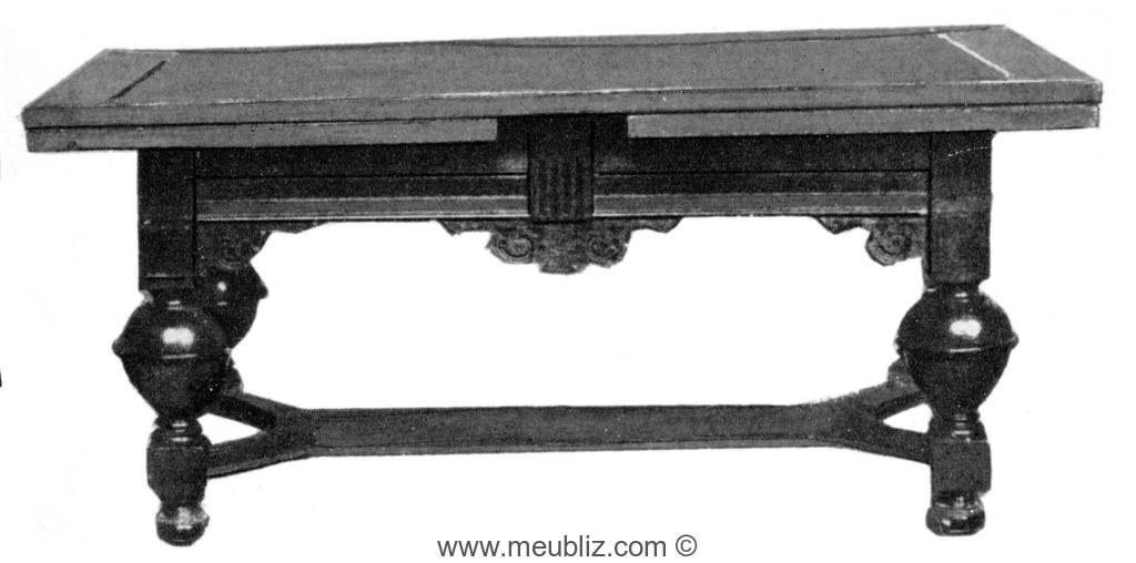 table louis xiii pieds en large balustre et entrejambe en fourche meuble de style. Black Bedroom Furniture Sets. Home Design Ideas