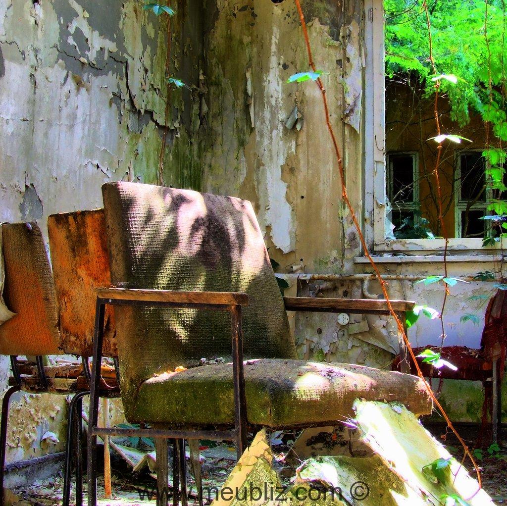 Comment Tapisser Une Chaise Ancienne rembourrage d'un siège à bois apparent - explication en images