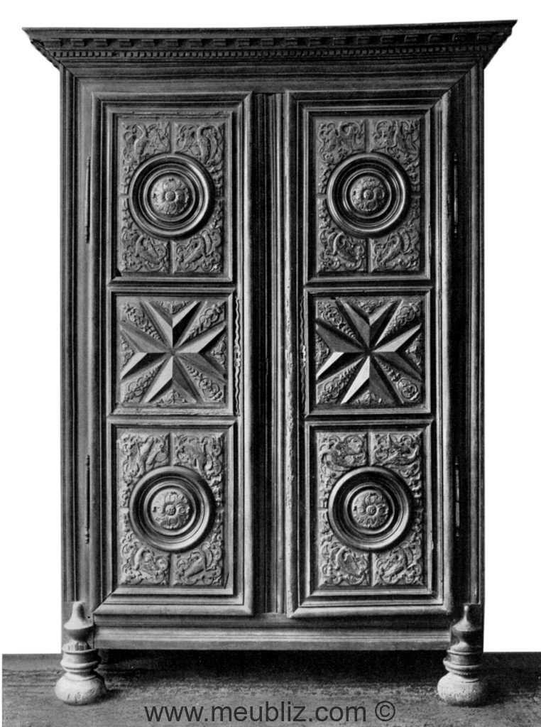 armoire de boiserie louis xiii louis xiv meuble de style. Black Bedroom Furniture Sets. Home Design Ideas