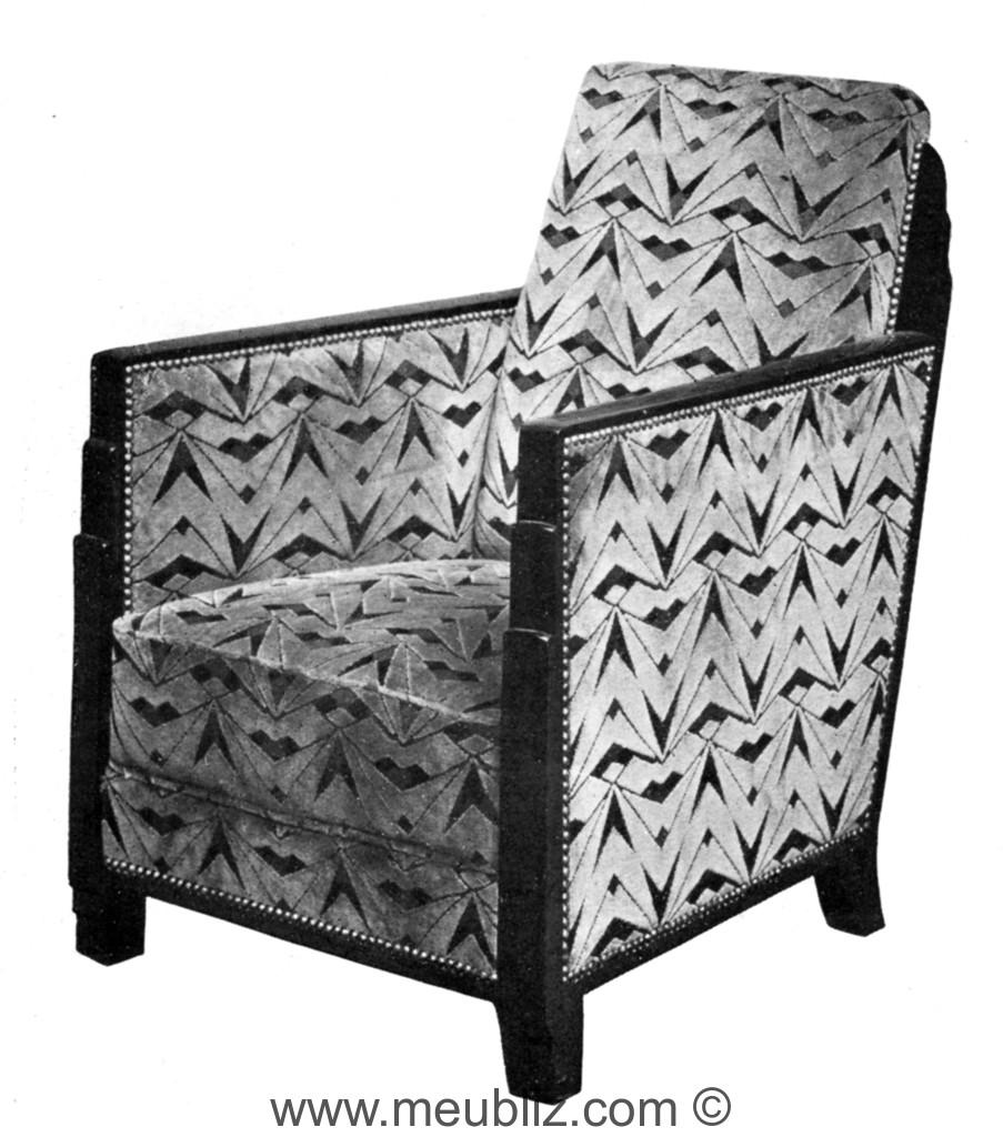 fauteuil club art d co dossier et bras angulaires en bois meuble de style. Black Bedroom Furniture Sets. Home Design Ideas