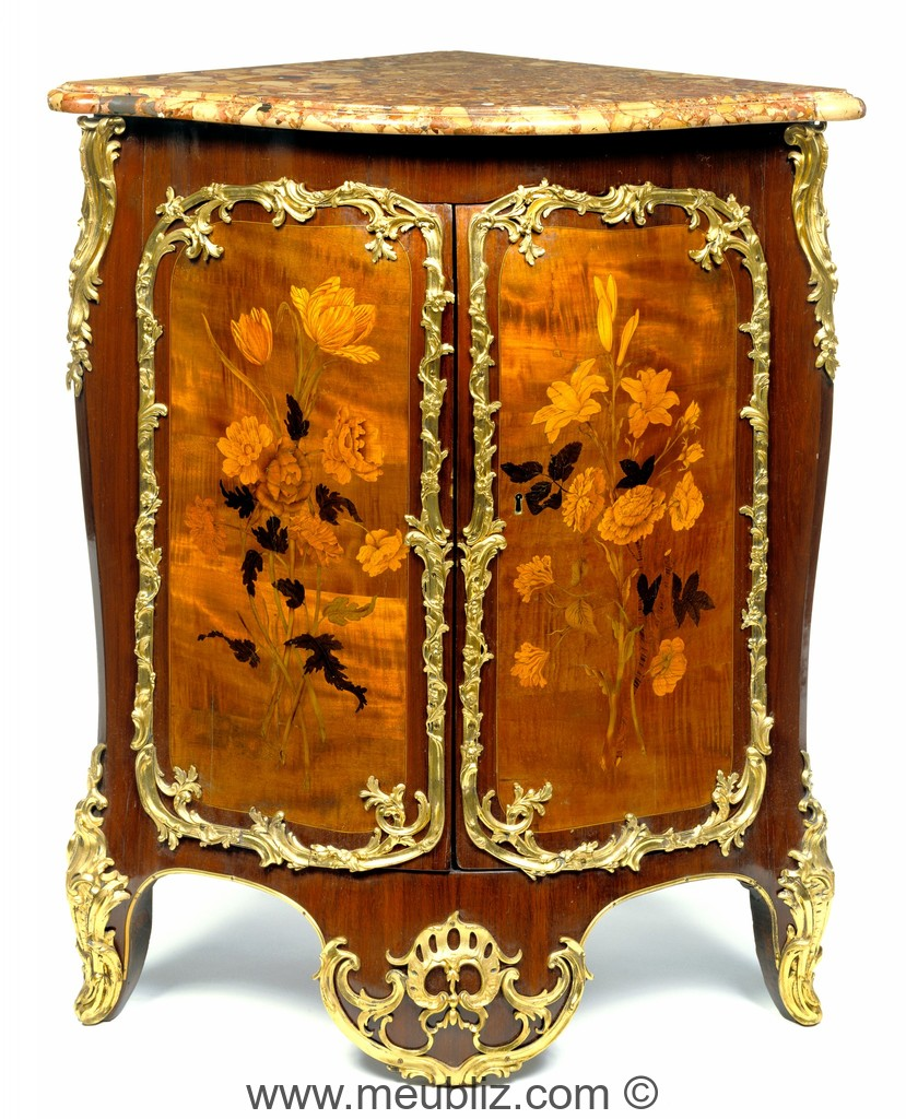 encoignure louis xv marquet e large cul de lampe. Black Bedroom Furniture Sets. Home Design Ideas