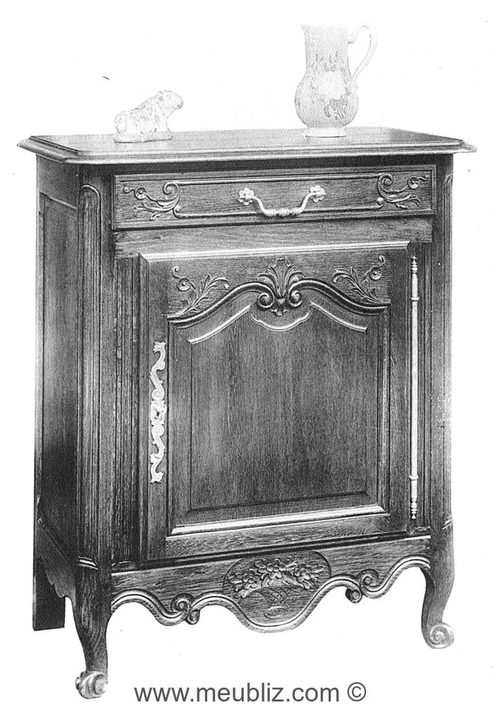 Confiturier louis xv meuble ancien bas et une porte for Meuble tv louis xv