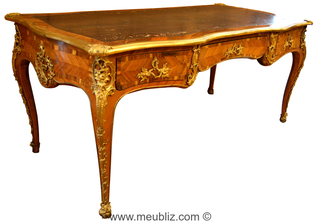 Grand bureau de ministre louis xv meuble de style for Grand bureau meuble