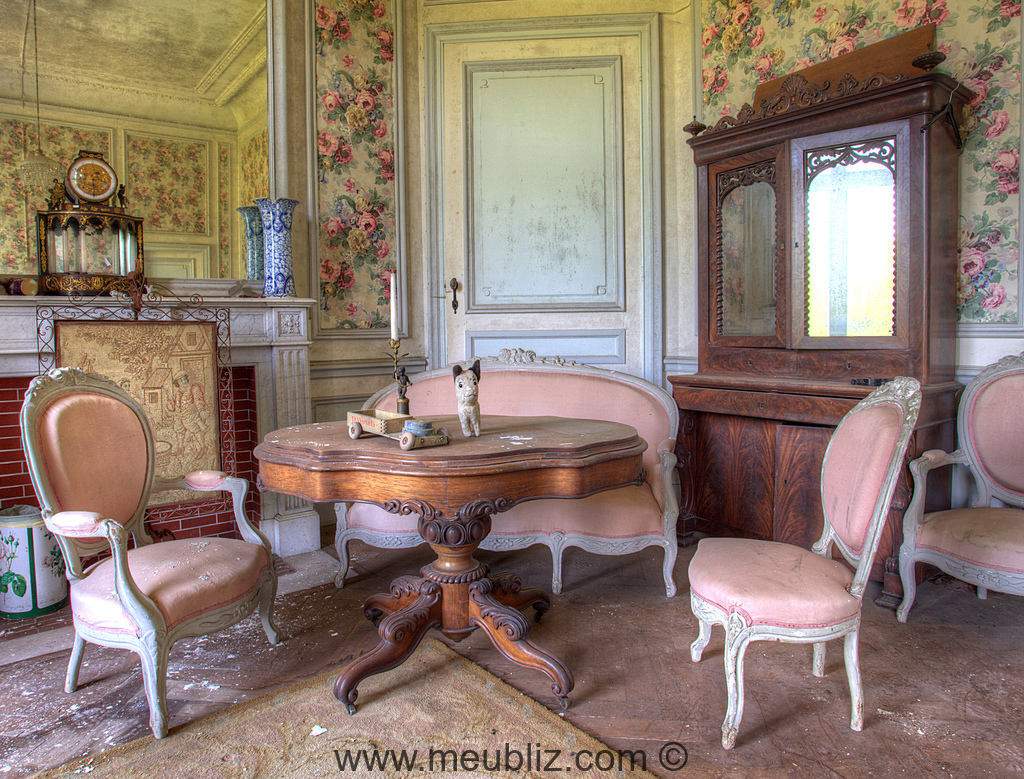 vendre un meuble ancien. Black Bedroom Furniture Sets. Home Design Ideas