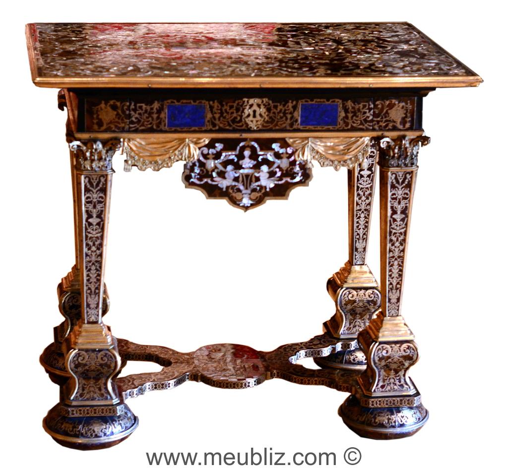 petite table de salon louis xiv carr e entrejambe en croisillon meuble de style. Black Bedroom Furniture Sets. Home Design Ideas