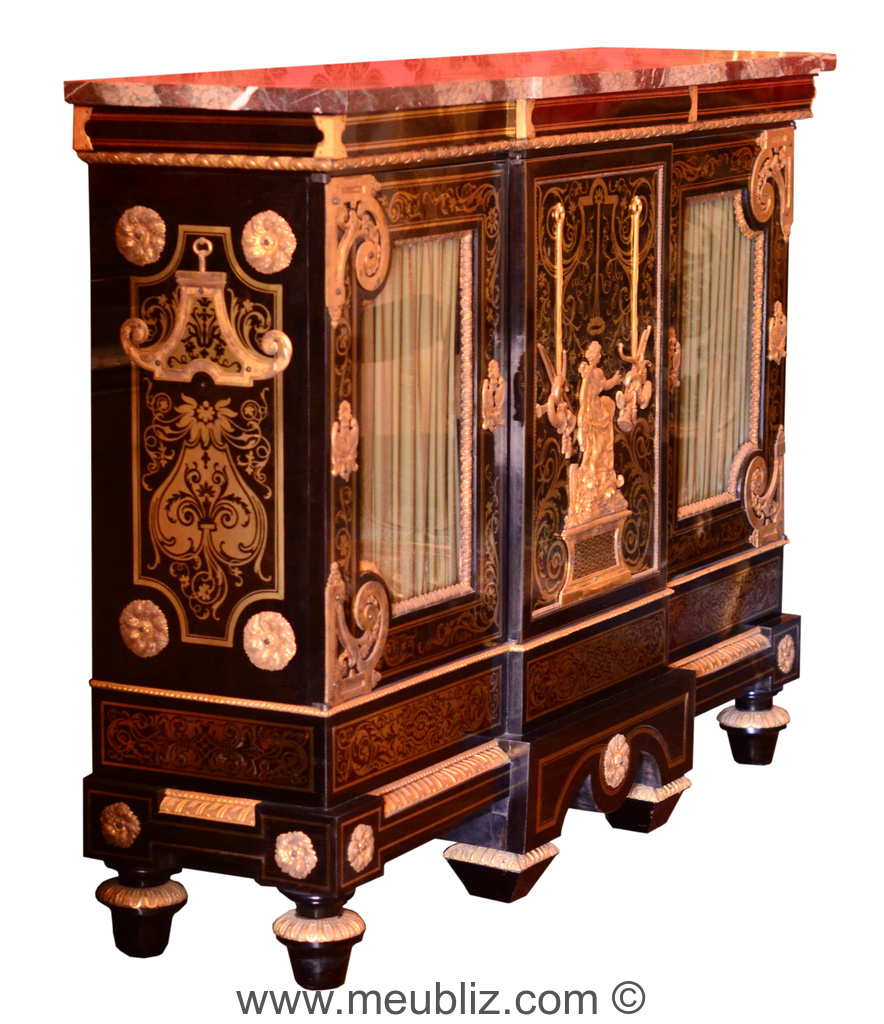 large biblioth que basse louis xiv vitres meuble de style. Black Bedroom Furniture Sets. Home Design Ideas