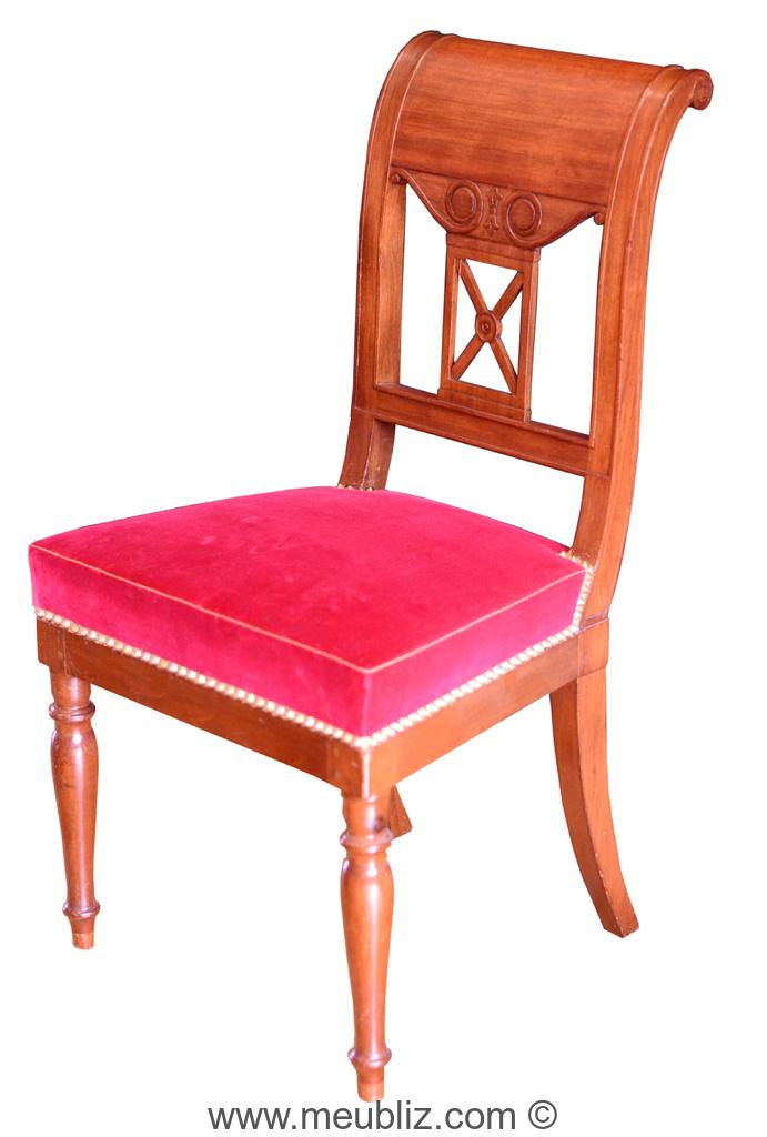 Chaise de style directoire courbes sobres for Chaise de style