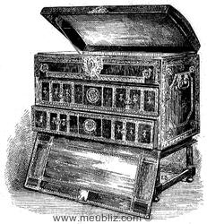 malle à layette du XVIIe siècle