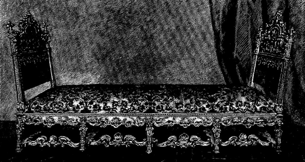 Chaise longue Louis XIV à multiples pieds - Meuble de style on louis xiv french furniture, louis xiv fauteuil, louis xiv bergere, louis xiv style furniture,