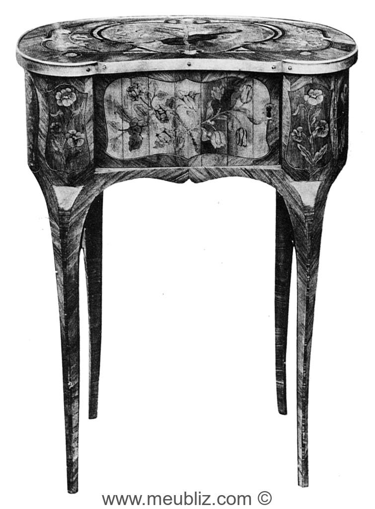 Petite Table Louis Xv A Plateau En Haricot Meuble De Style