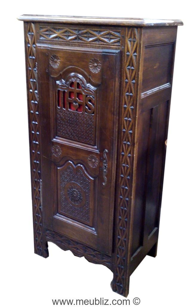 Caract ristiques du mobilier r gional for Meuble bonnetiere ancienne