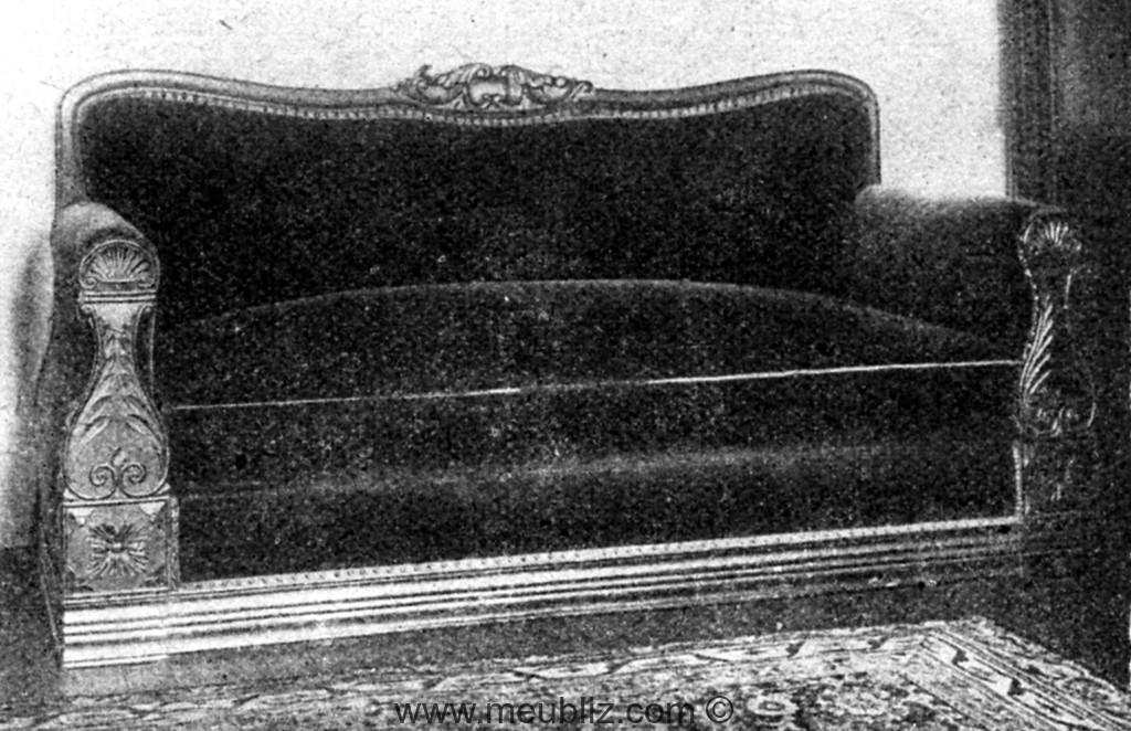 grand canap restauration louis philippe bras en pilastre meuble de style. Black Bedroom Furniture Sets. Home Design Ideas
