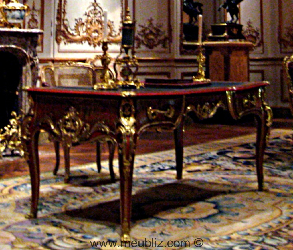 bureau plat de ministre louis xv en laque noire meuble de style. Black Bedroom Furniture Sets. Home Design Ideas