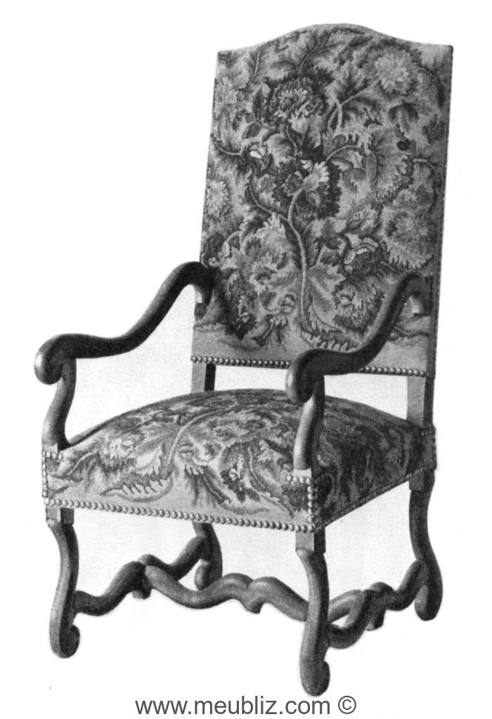 fauteuil louis xiii accoudoirs courb s dossier garni et pieds en os de mouton meuble de style. Black Bedroom Furniture Sets. Home Design Ideas