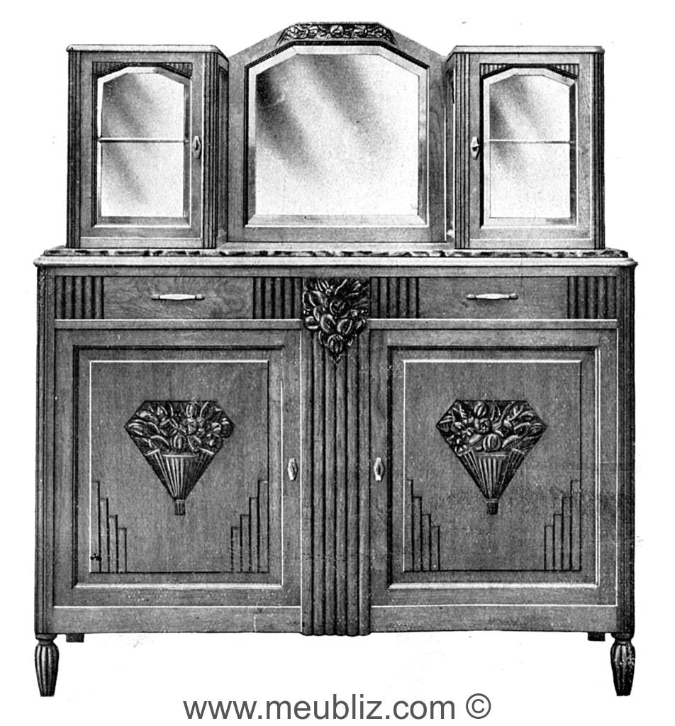 buffet deux portes art d co 1930 en bois massif avec gu rites et gradins meuble de style. Black Bedroom Furniture Sets. Home Design Ideas