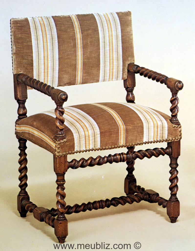 chaise bras louis xiii petit dossier meuble de style. Black Bedroom Furniture Sets. Home Design Ideas