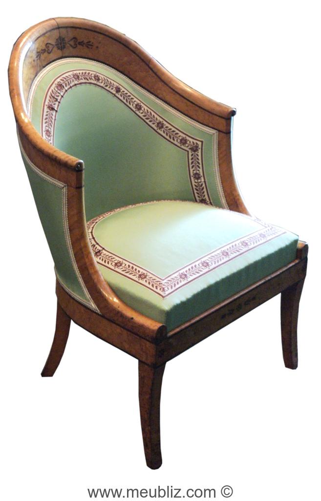fauteuil bas gondole restauration louis philippe pieds en sabre meuble de style. Black Bedroom Furniture Sets. Home Design Ideas