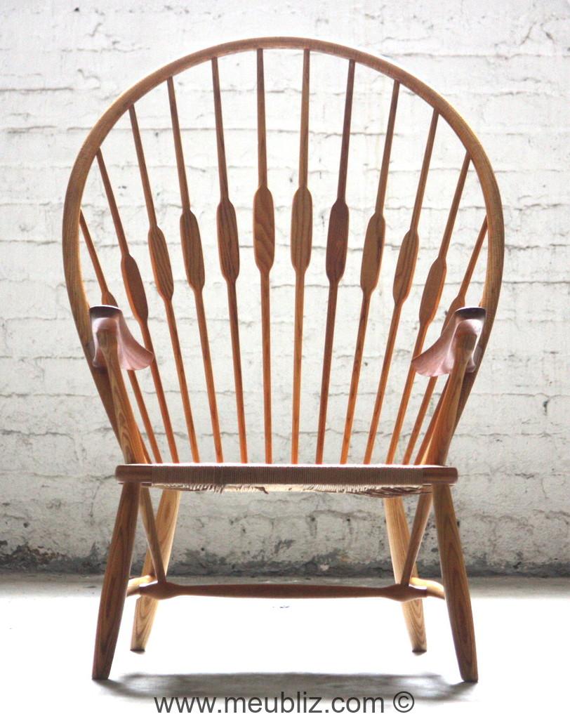 fauteuil paon ou peacock par hans j wegner meuble. Black Bedroom Furniture Sets. Home Design Ideas