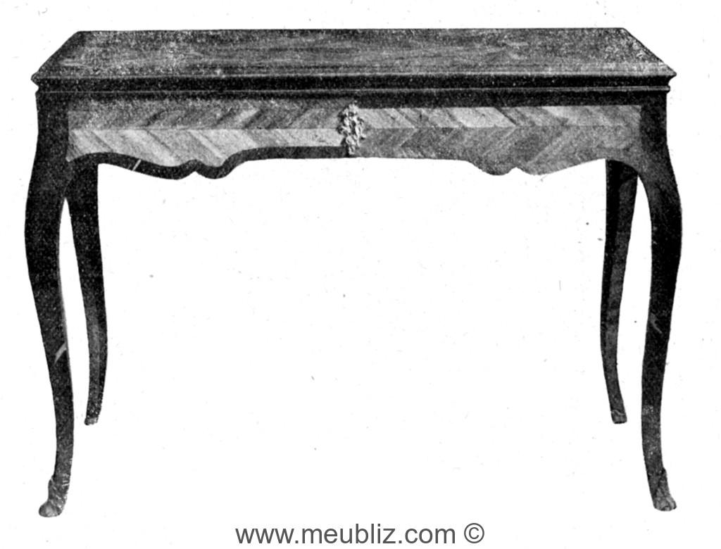 Description d un bureau de dame ou table à écrire type de meuble