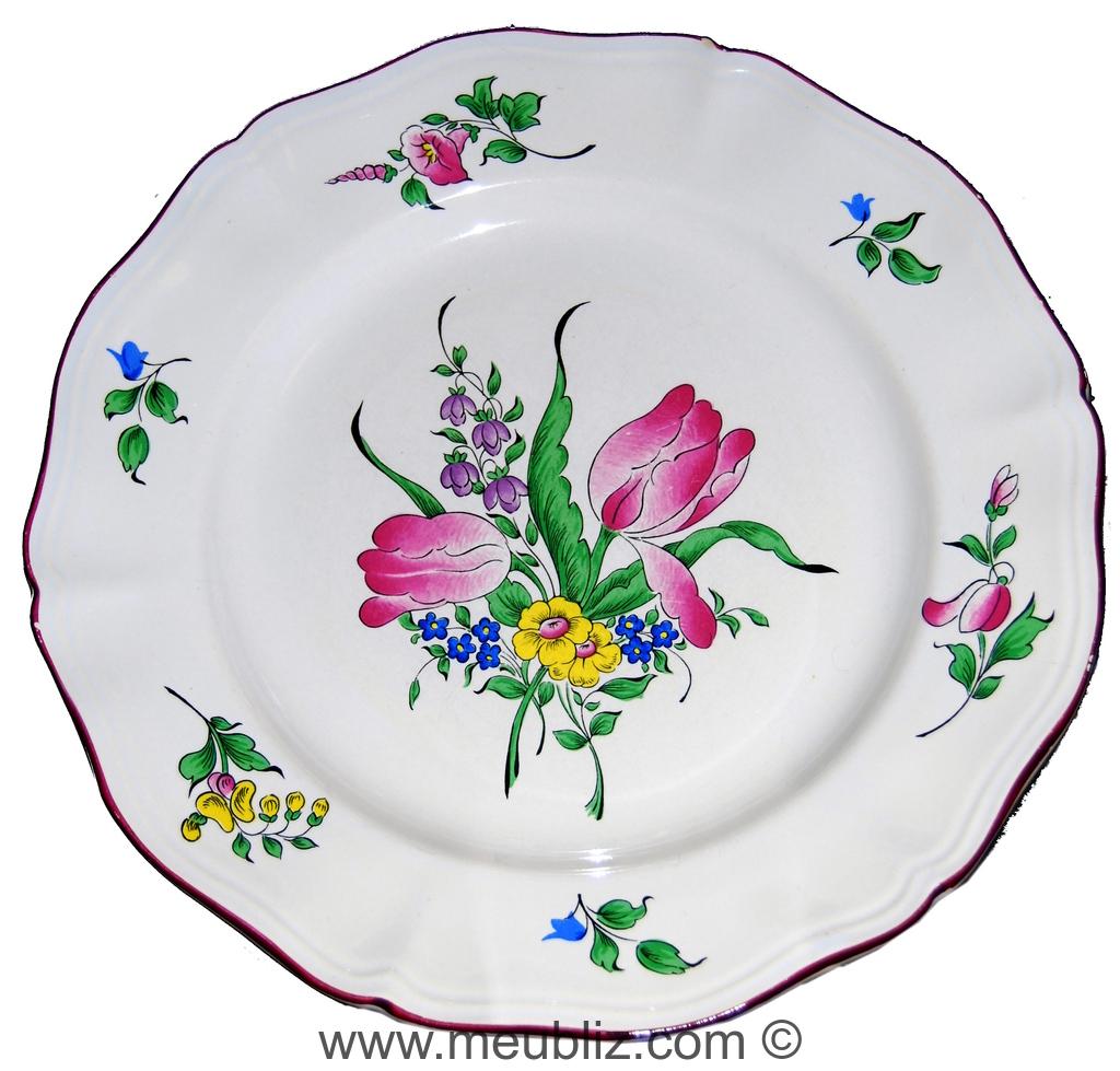 assiette en demi-porcelaine - faïence d'un blanc pur - Lunéville.