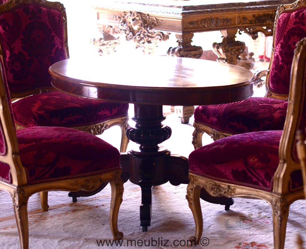 petite table ronde de salon napol on iii sur tr pied meuble de style. Black Bedroom Furniture Sets. Home Design Ideas