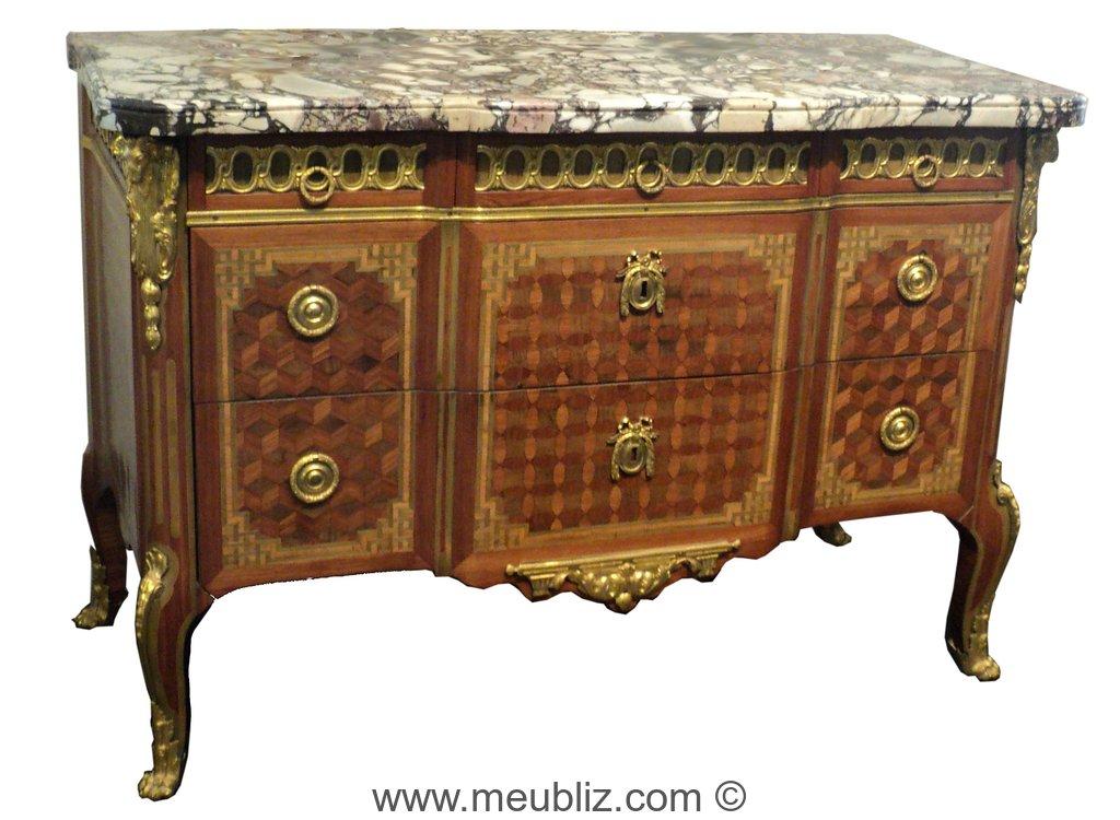 commode transition la grecque ressaut avec tiroirs en ceinture sans traverse meuble de style. Black Bedroom Furniture Sets. Home Design Ideas